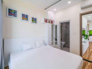phòng ngủ căn hộ khách sạn view biển