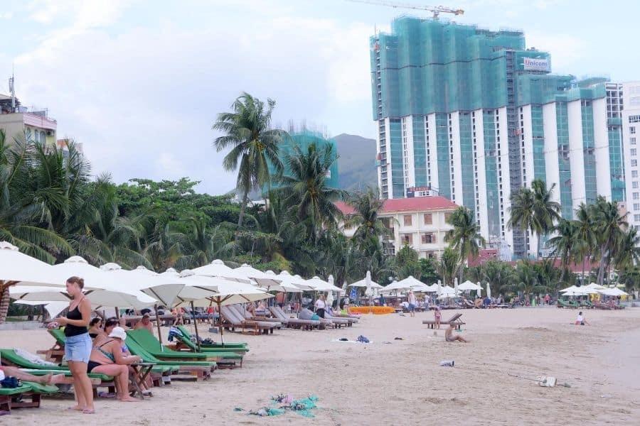 Bãi biển Hòn Chồng Nha Trang